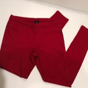 NWOT HUE Crimson Red Leggings